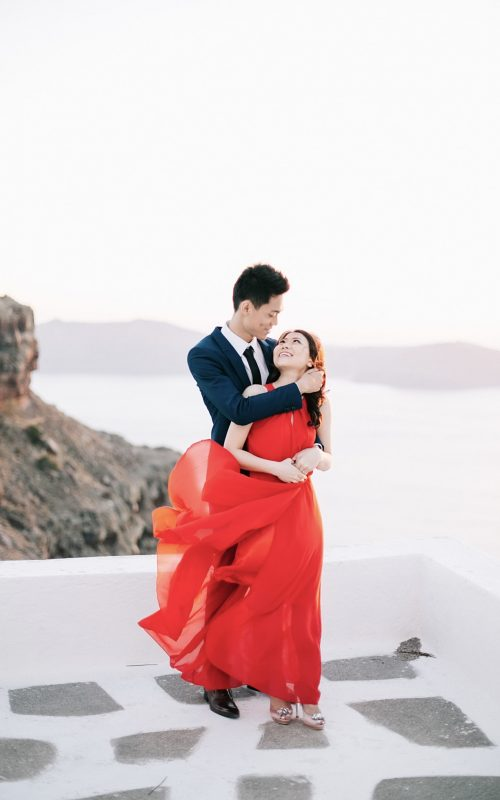 sunset elopement in Santorini