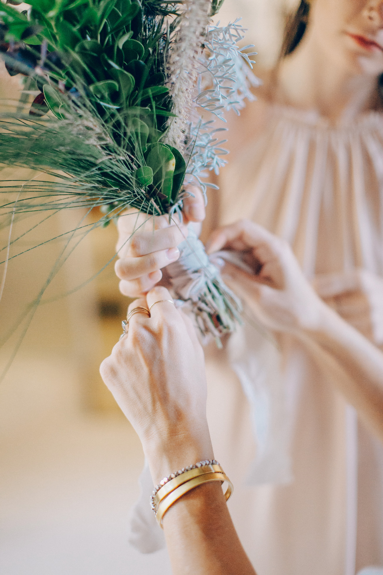 Metohi kindelis wedding dress