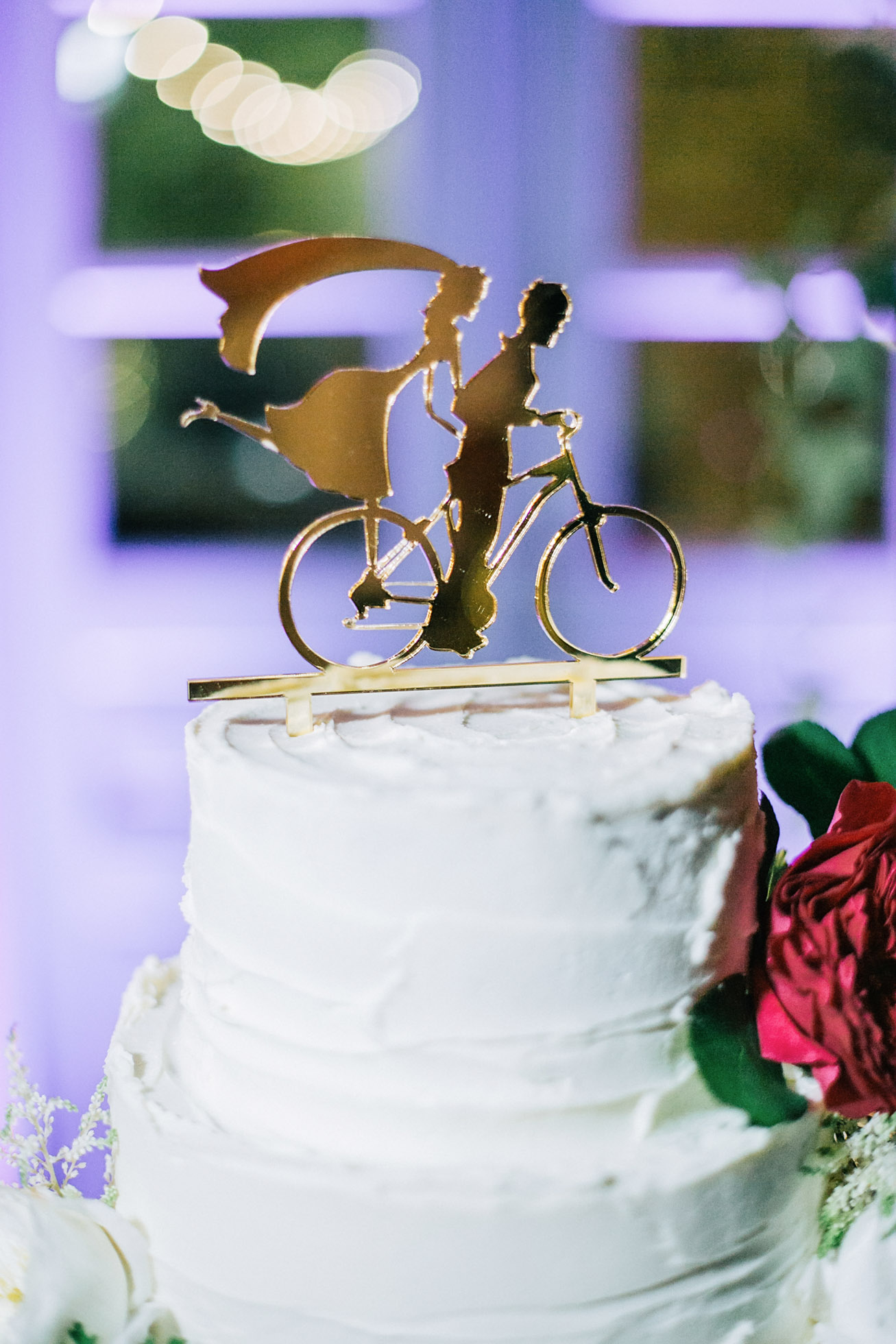 Signature wedding cake for a destination wedding in Crete.